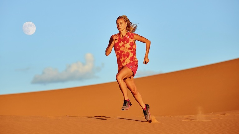 Girl running in sand dunes, fuzex review, by healthista