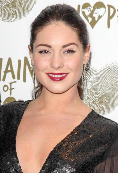 Louise Thompson Semi-permanent eyebrows the celebrity trend by Healthista