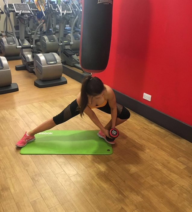 Lateral lunge touch 8 moves that will change your body fast by healthista vicky
