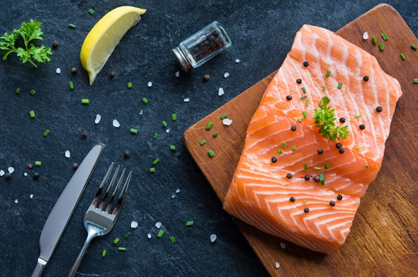 salmon, 8 foods that boost your energy, by healthista