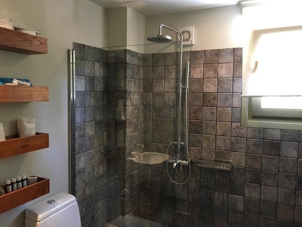 emelisse bathroom