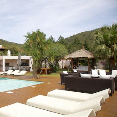 patio-luxury-holiday-with-chic-ibiza-villas-by-healthista.jpg