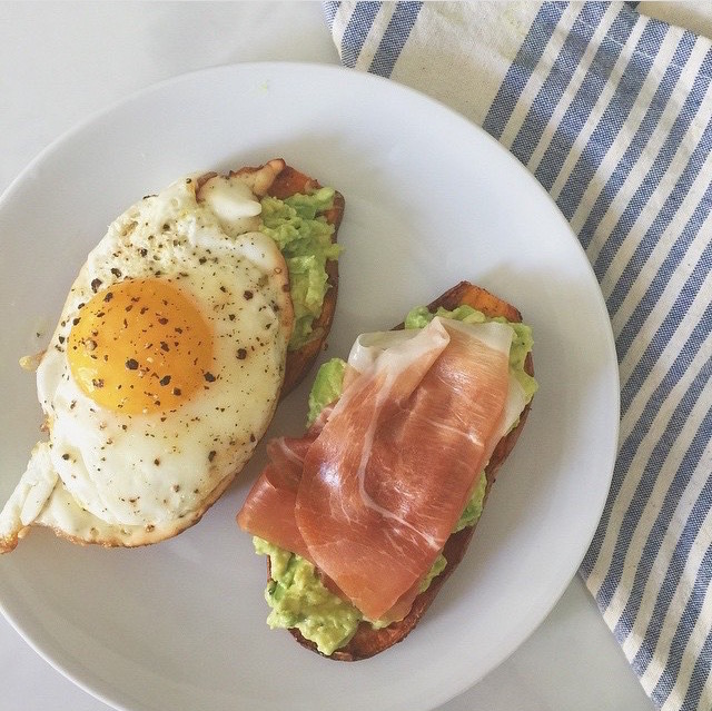 toast, sweet potato, by healthista.com