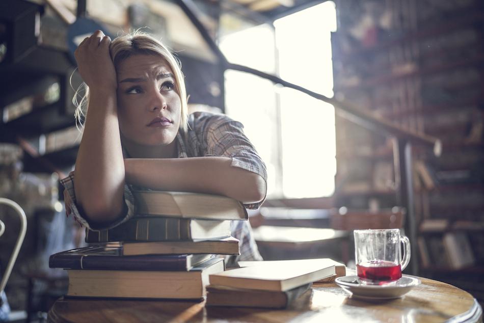 worried-women-5-stress-symptoms-by-Healthista.com