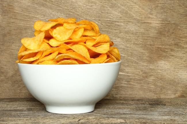crisps, best healthy snacks under 100 calories, by healthista.com