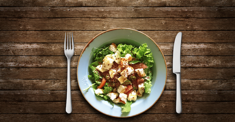 light dinner, how to make your body clock work for you, by healthista