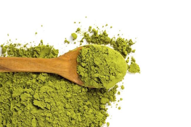 matcha-powder-7-reasons-to-drink-matcha-green-tea-by-healthista.com