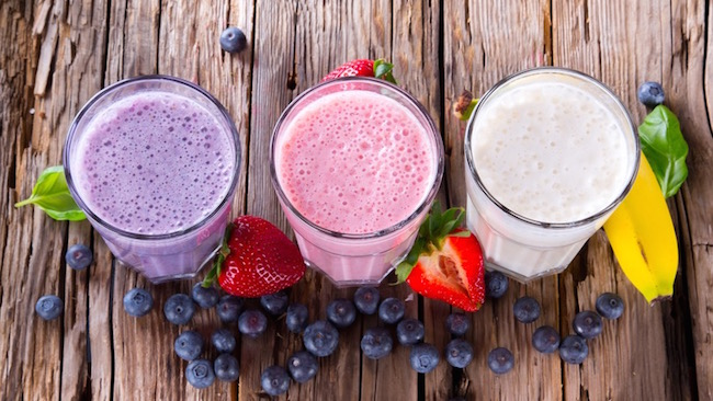smoothies-Best-healthy-snacks-under-100-calories-by-healthista.com