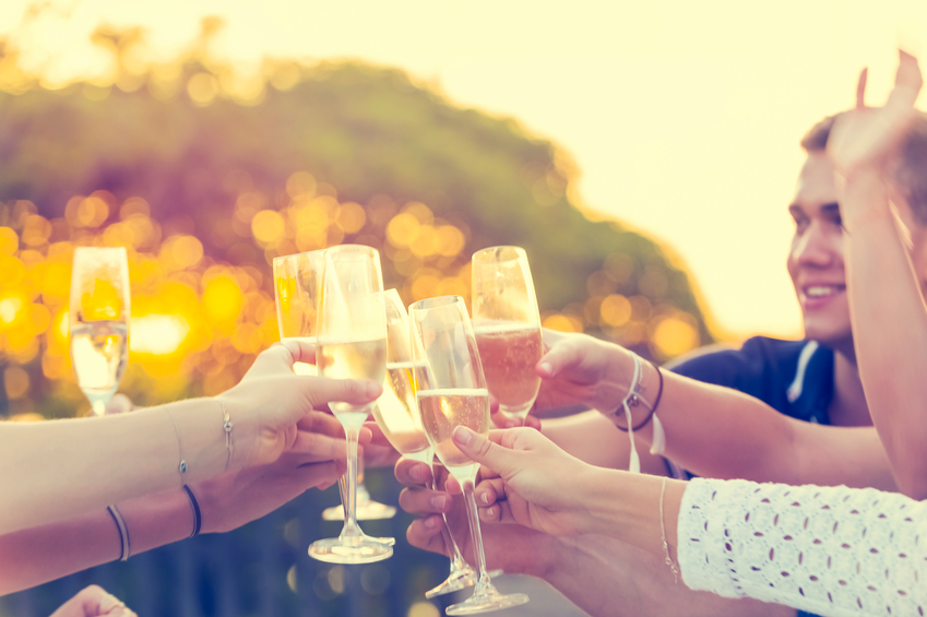 Champagne, alzeihmers prevention, healthista
