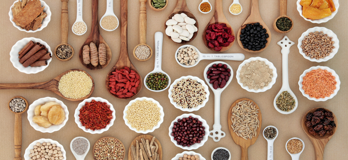 spoons-of-plant-based-proteins-how-to-get-more-protein-in-your-diet-by-healthista-com