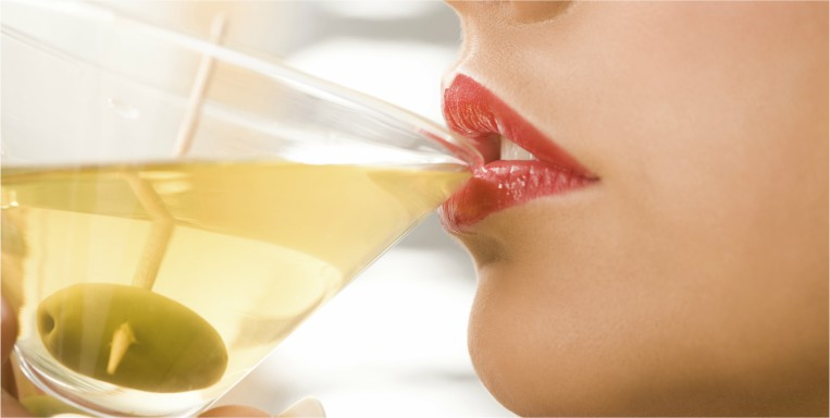 woman-drinking-alcohol-abuse-by-healthista