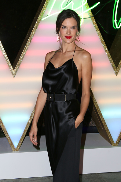 alessandra-ambrosio-dark-lip-3-party-makeup-looks-to-help-you-step-out-of-your-beauty-comfort-zone-by-healthista