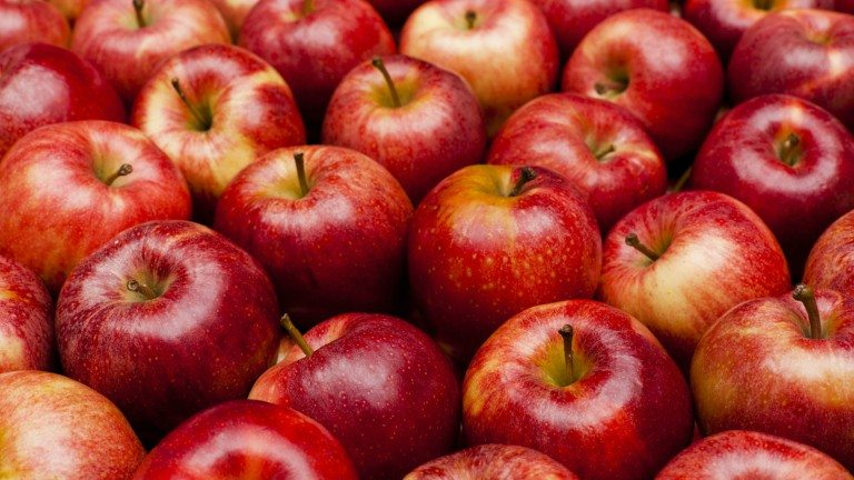 apples-top-10-superfoods-by-healthista