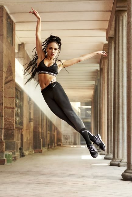 FKA twigs new nike spring zonal tights collection, by healthista.com.jpg9.jpg
