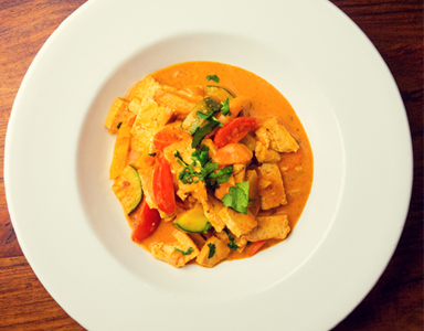 Pad Prik curry feature, Meat free Monday recipe Tofu Pad prik curry from nutritionist Alli Godbold by healthista