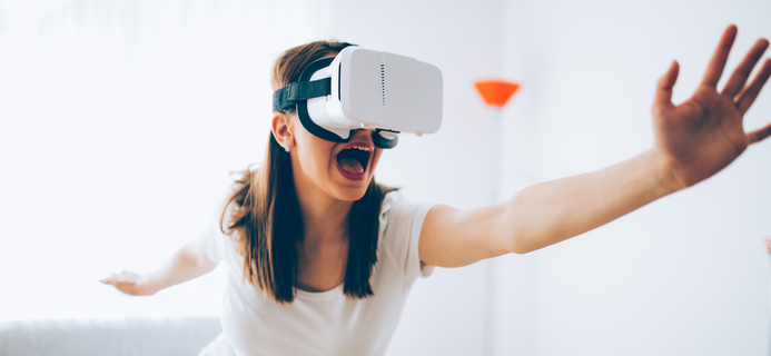How virtual reality headsets are changing the health and wellbeing game by healthista.com