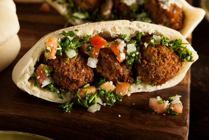 falafel sandwich, 6 best healthy lunch swaps for a nourishing midday meal by healthista