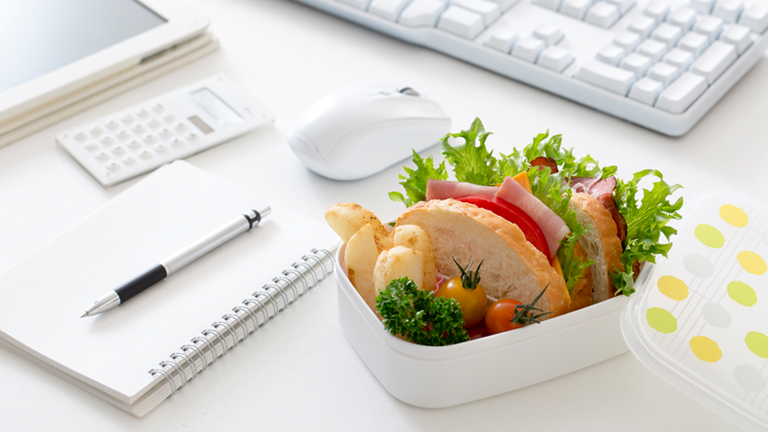 lunch on desk main, 6 best healthy lunch swaps for a nourishing midday meal by healthista
