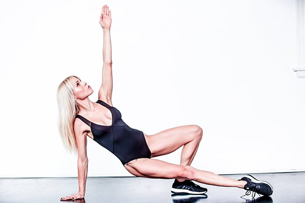 Celebrity trainer secrets How Hollywood's BFFs Michelle Williams and Busy Philipps dance with Lauren Kleban, by healthista.com