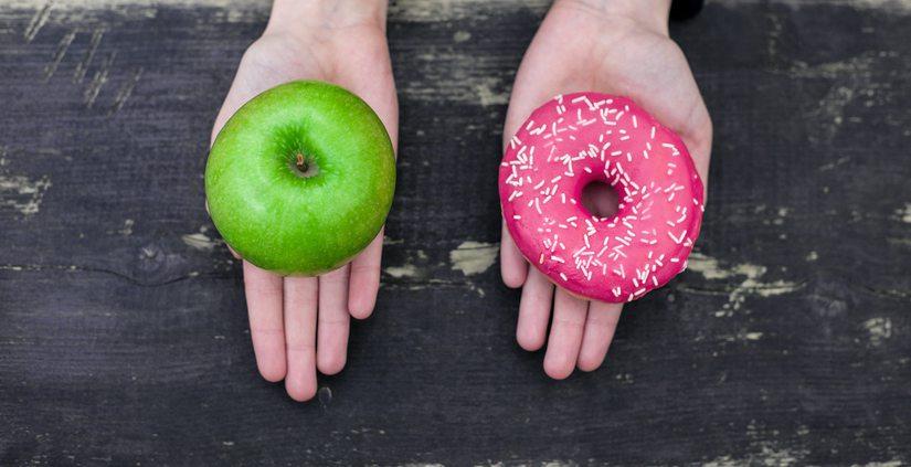 apple and doughnut 8 things naturally slim women do Healthista