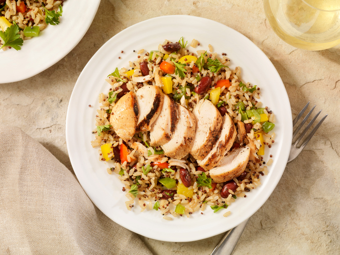 chicken breast on brown rice, 8 best fat burning foods by healthista