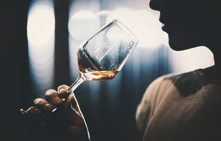 woman holding wine glass Tired? Bloated? Skin dry and itchy? You might have fatty liver Healthista