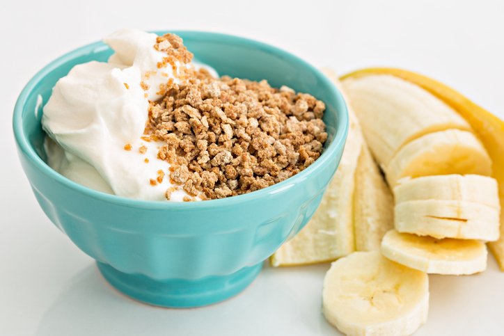 30-foods-to-boost-your-brain-yogurt-and-bananas-healthista