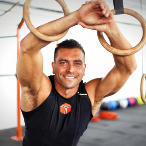 Lee Carnaby image, Celebrity trainer secrets by healthista