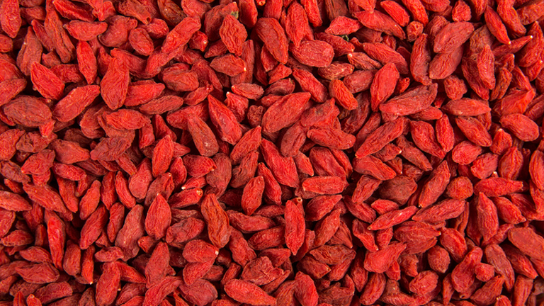 goji berries, superfoods for skin by healthista.com