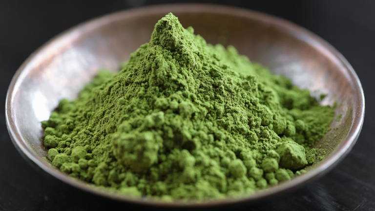 matcha green tea, superfoods for weight loss by healthista.com