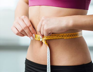 measuring waist, protein powder for weight loss - 6 ingredients to look for by healthista.com