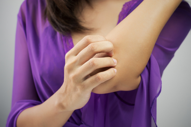 scratching elbow, symptoms of coeliac disease by healthista