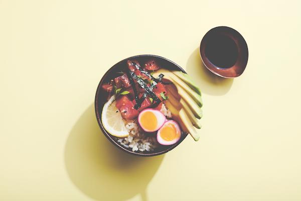 Poke brunch bowl healthista.com