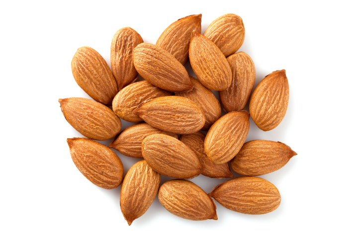 almonds handful, Celebrity nutrition secrets Khloe Kardashian's diet revealed by Dr Goglia by healthista
