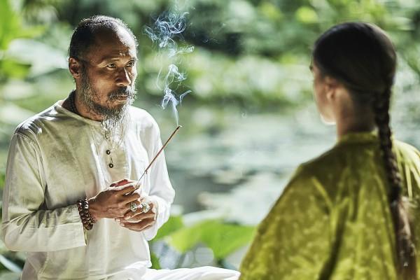 Balinese-energy-healer-Djik-Dewa-Four-seasons-Bali-by-healthista.com-in-post-image.jpg