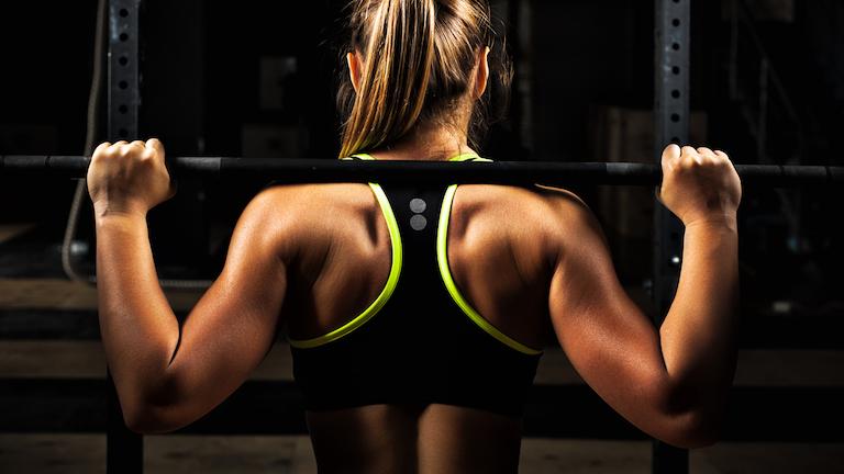 woman-lifting-bar-safety-by-healthista-main.jpg