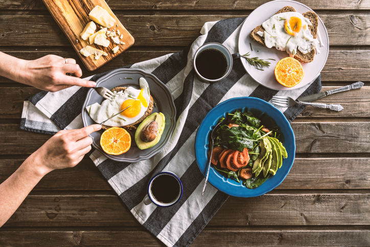 breakfast-How-a-nutritionist-stays-healthy-on-holiday-may-simpking-by-healthista.com