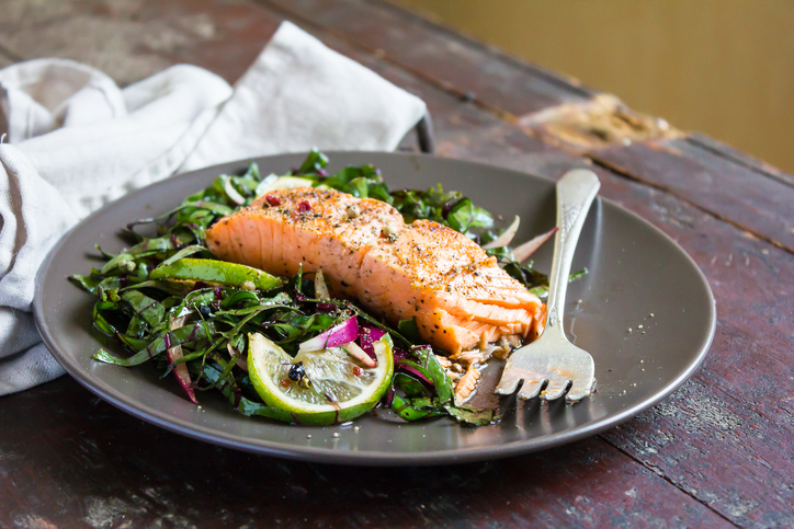 salmon salad, how does a bodyguard get fit by healthista