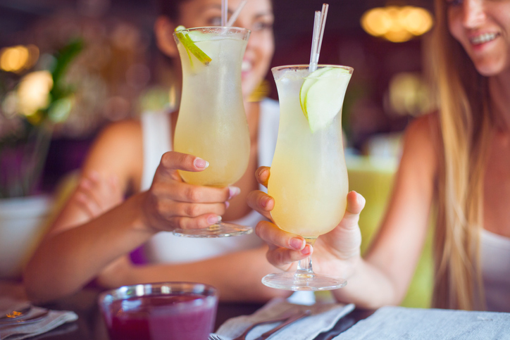 cocktails women drinking, why we should give up drinking but not getting drunk by healthista