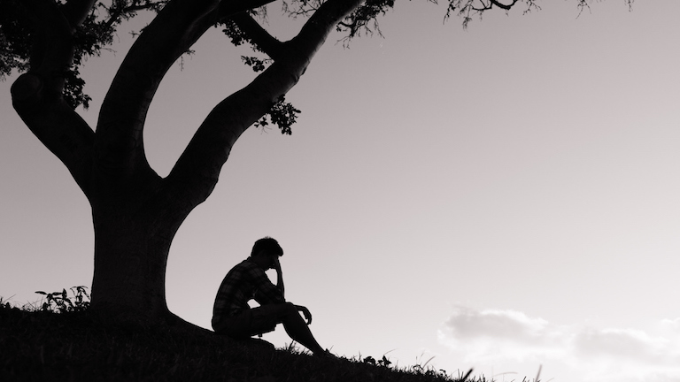 depressed man 13 things NOT to say to a man who has depression Healthista main