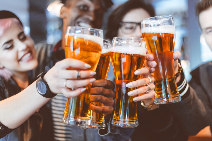 drinking beer, why we should stop drinking but not getting drunk by healthista