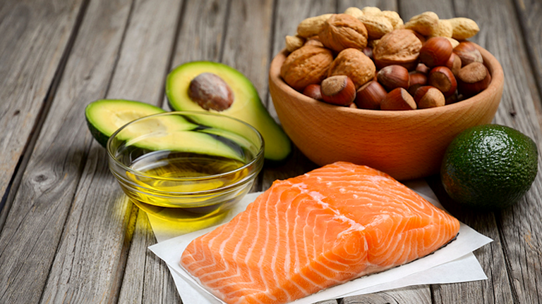 healthy essential fats, 5 natural ways to reduce eczema symptoms by healthista.com