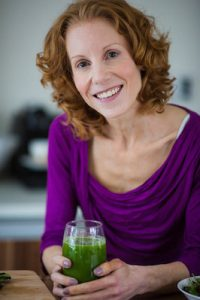 Christine portrait Eat your way to happiness 3 day brain boosting diet healthista headshot