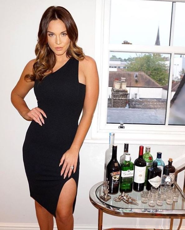 How to keep healthy habits when you are a party girl Vicky Pattison's PT's top tips, by healthista.com 00444