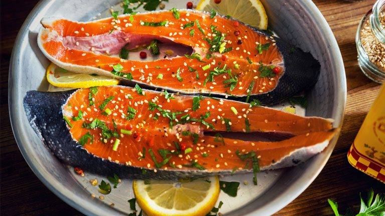 salmon-5-foods-and-supplements-for-better-heart-health-by-healthista.com