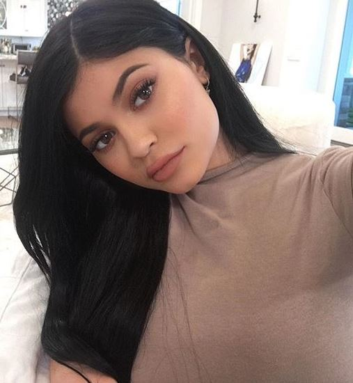 Kylie Jenner, The best eyebrow products for six hot trends, by healthista.com