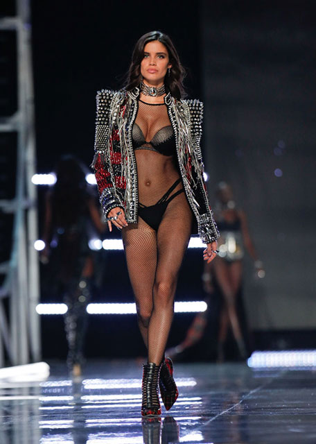 Sara-Sampaio-8-Victoria's-Secret-models-reveal-their-health-and-fitness-secrets-by-healthista