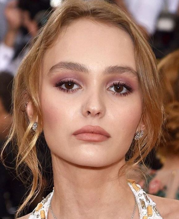 lily rose depp, The best eyebrow products for six hot trends, by healthista.com