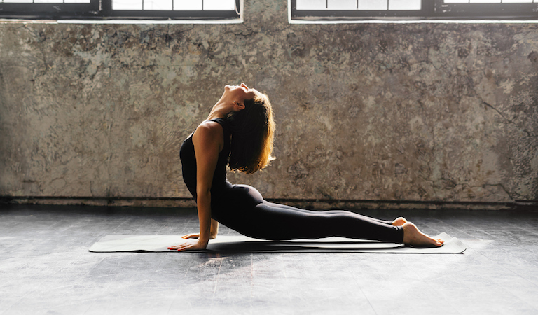 yoga help perimenopause symptoms, 10 symptoms of perimenopause and how to fix them naturally