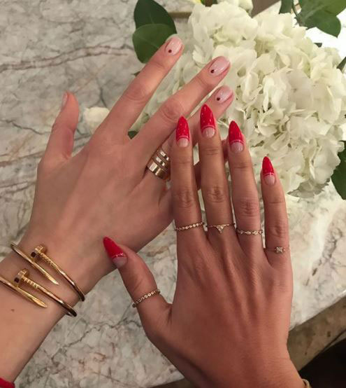 Nikki-Wolff-nails,-Christmas-party-beauty-trends-by-healthista